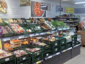 Verpacktes Gemüse im Supermarkt